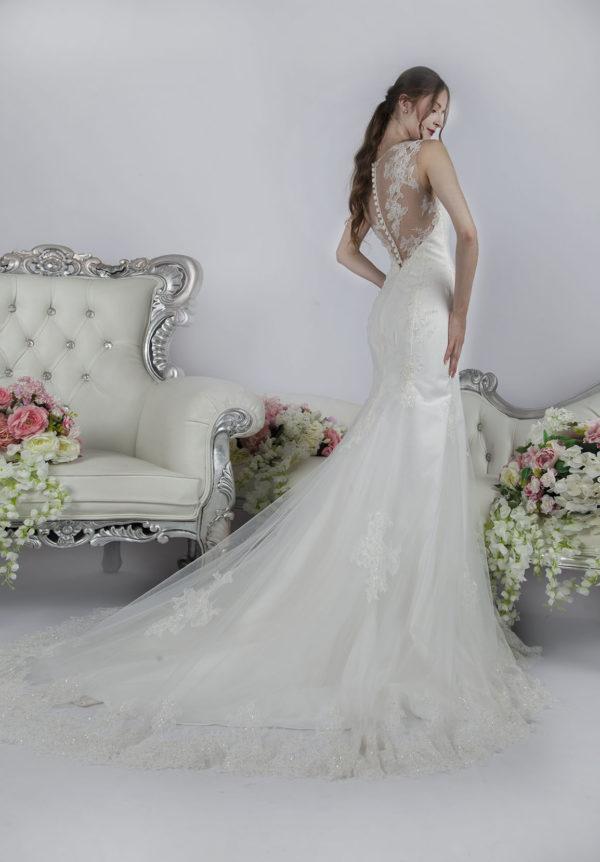 Robe de mariée sirène moulante en tulle et satin