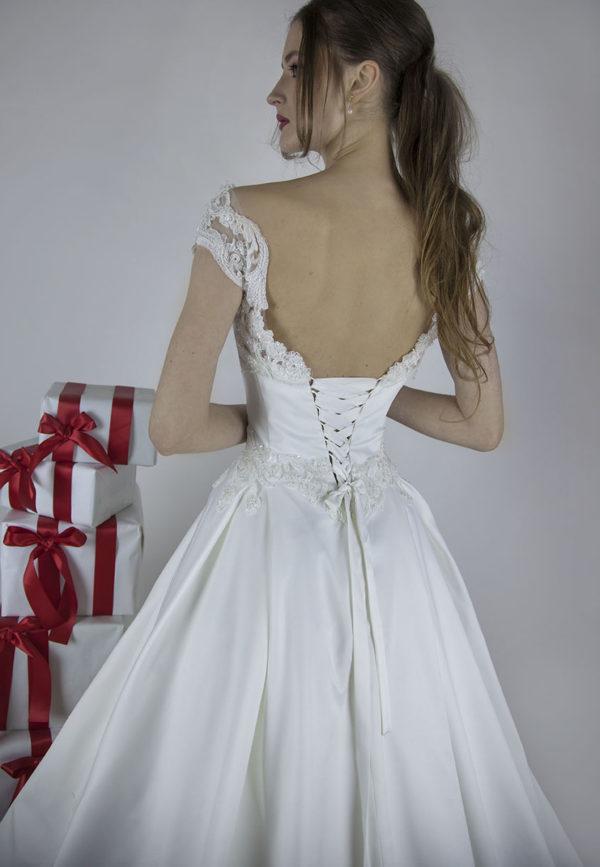 Vous allez adorer cette robe de mariée en satin très noble