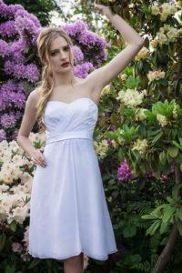 Des courtes robes de mariée idéales pour les mariages à la mairie ou pour d'autres occasions