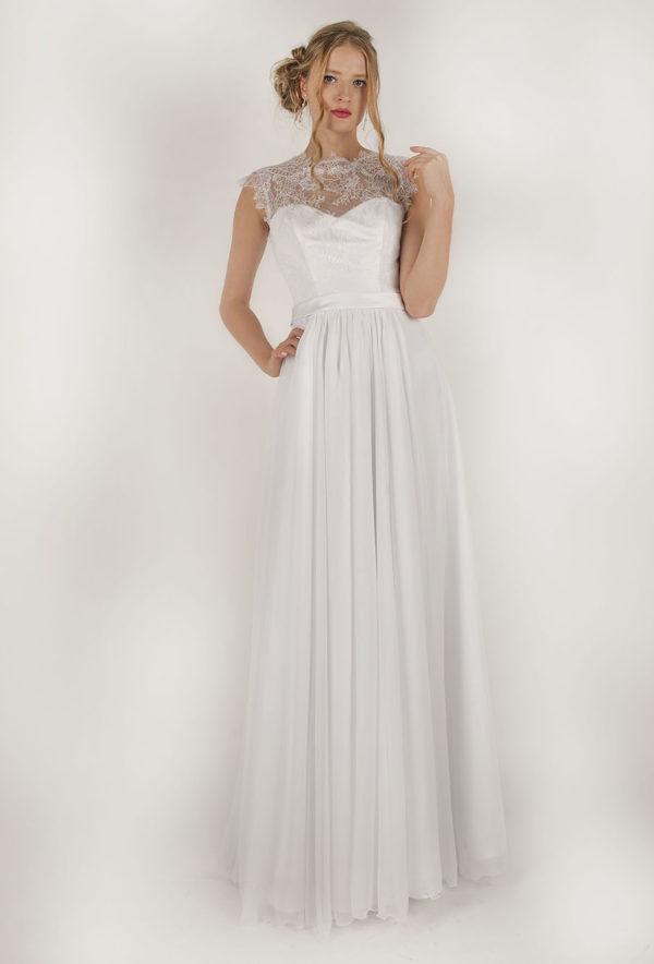 Robe de mariée avec une jupe en mousseline plissée