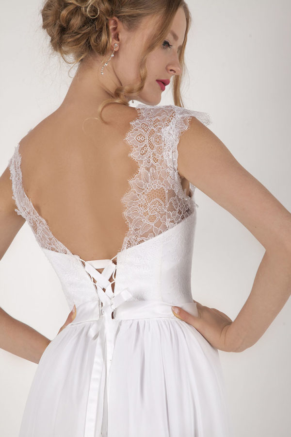 Robe de mariage Paris avec un laçage à ruban