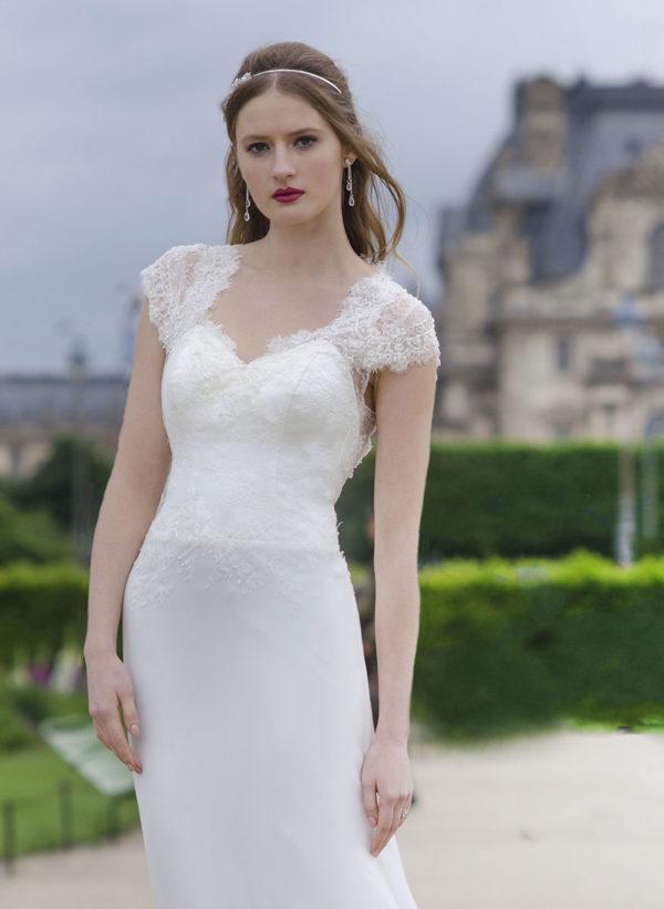 Robe de mariée simple et raffinée