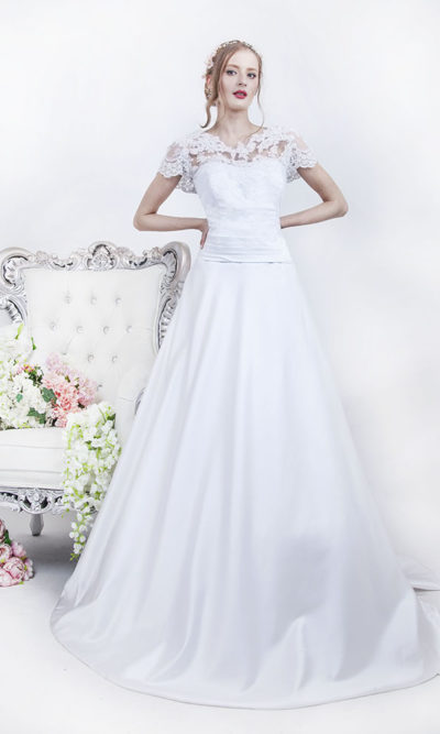 Robe de mariage grande taille en satin et dentelle