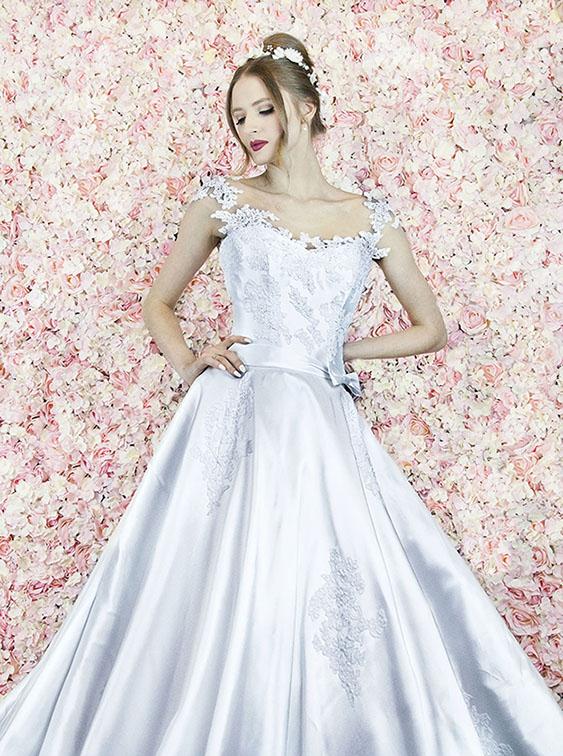 Robe de mariée à silhouette très chic