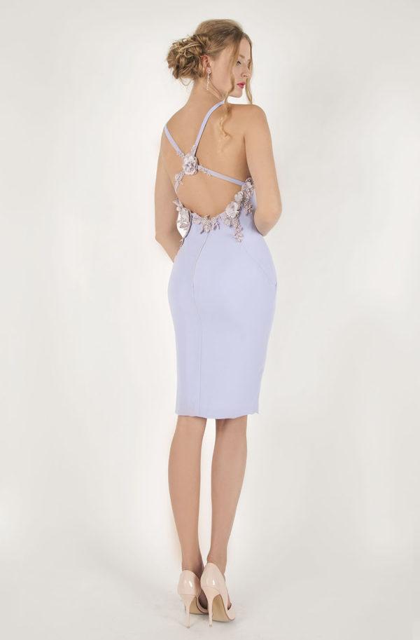 robe de cocktail courte d'une forme feminine et élégante