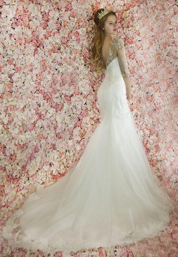 Robe de mariée sirène avec un dos nu en forme de V