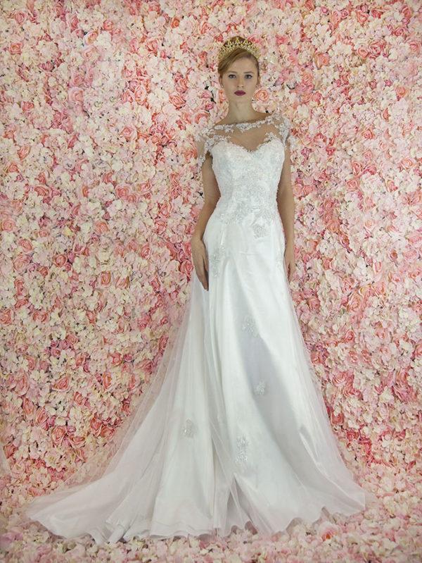 Robe de mariée trapèze avec dentelle