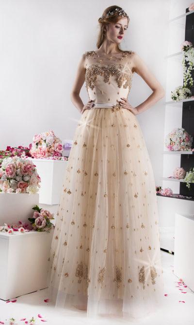 Robe de princesse dorée Paris