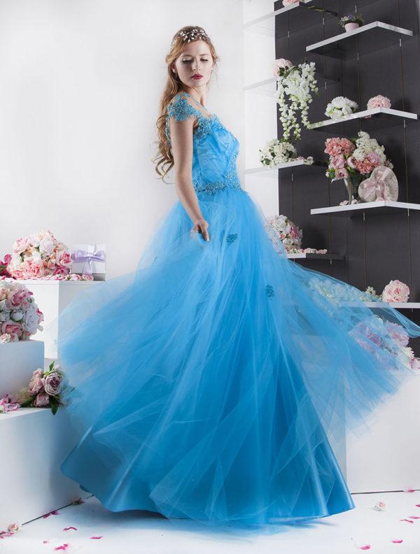 Robe du soir pour une princesse Cendrillon