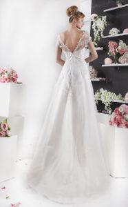 robe de mariée jupe en trapèze et bustier avec manches