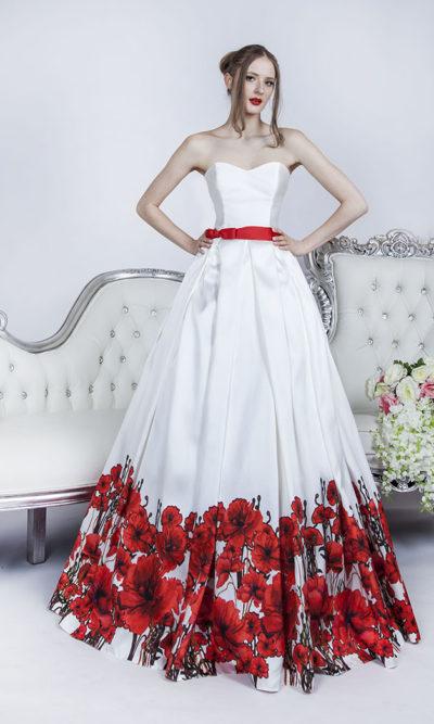 Robe de cérémonie blanche avec fleurs rouges