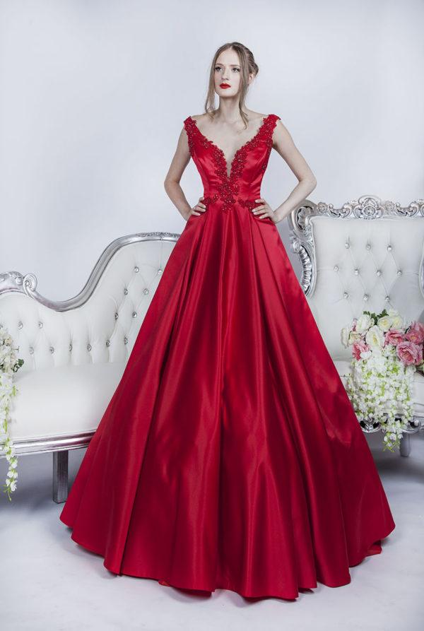 Robe de soirée rouge en satin haute couture