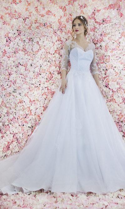 Robe de mariage Paris en dentelle et manches