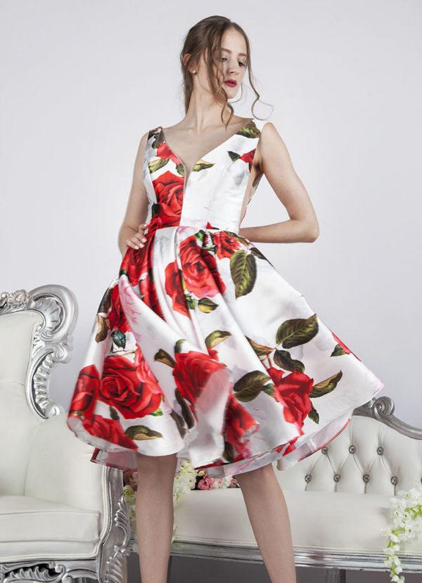 Robe de soirée courte avec imprimé de roses