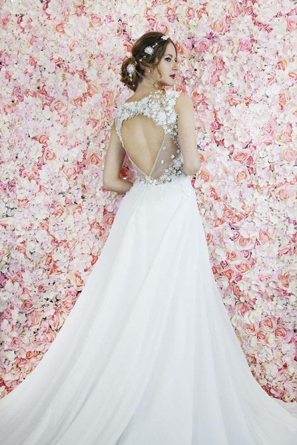 Robe de mariée avec dentelle en fleurs