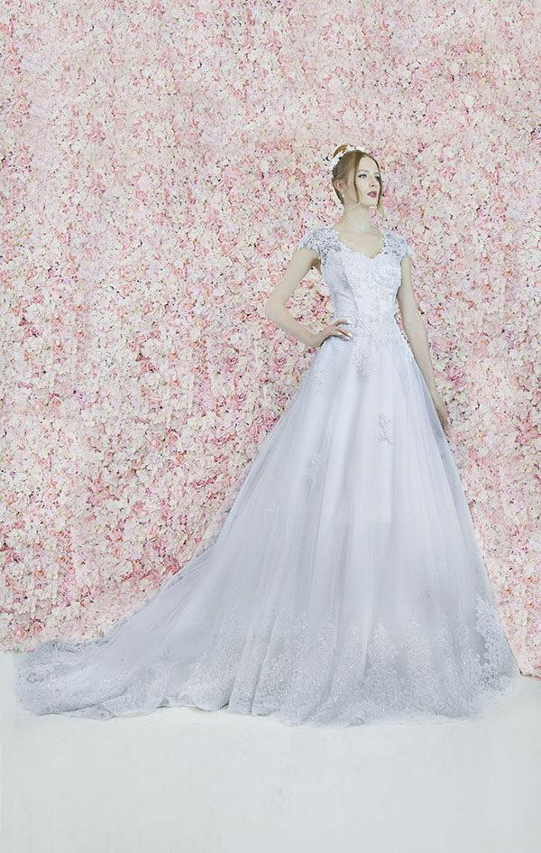 Robe de mariée princesse Paris en dentelle tendance