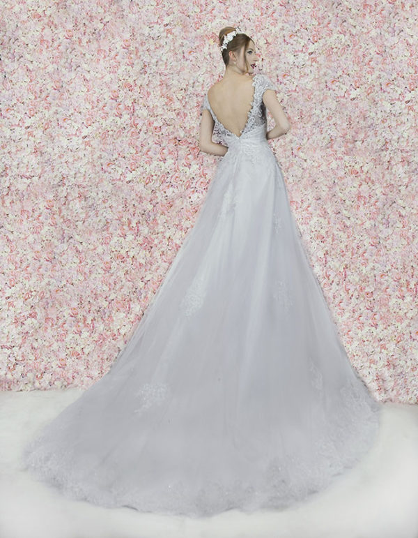 Robe de mariée avec un dos classique