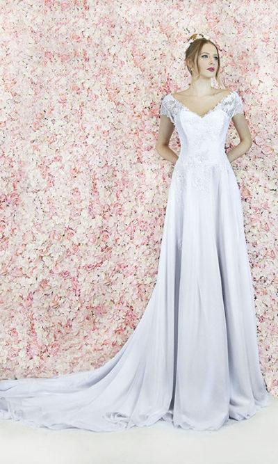 Robe de mariage chic et vaporeuse avec bretelles