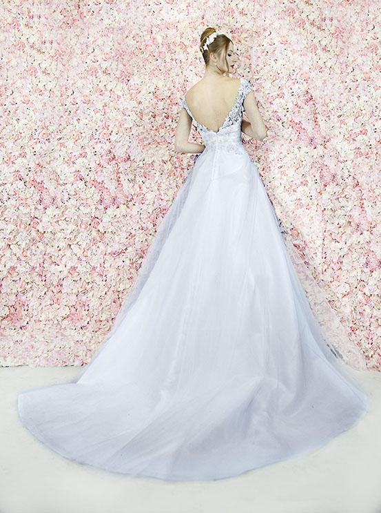 Robe de mariée aérée et épurée