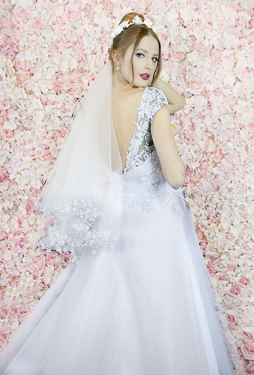 Robe de mariage blanche avec manches blanches