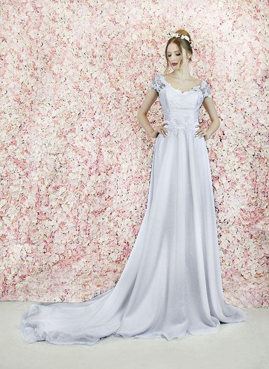 Robe de mariée simple mais très luxueuse