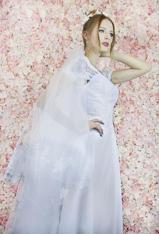 Robe de mariage voile brodée à la main avec dentelle