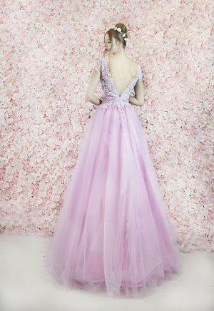 Robe de bal en tulle rose et dentelle pastel