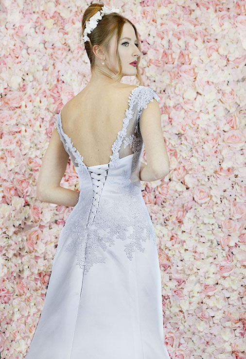 Robe de mariée satin en dentelle originale