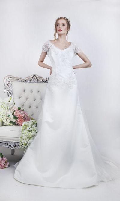 Robe de mariée coupe trapèze avec manches