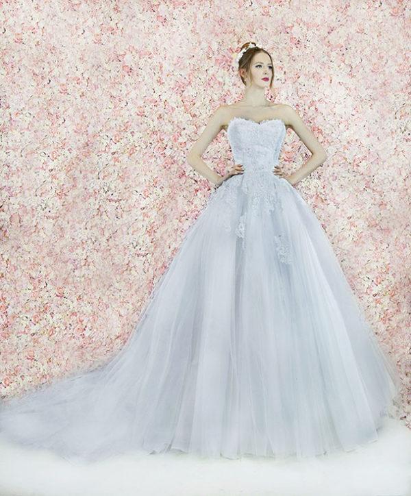 Robe de mariée en tulle et dentelle très luxueuse