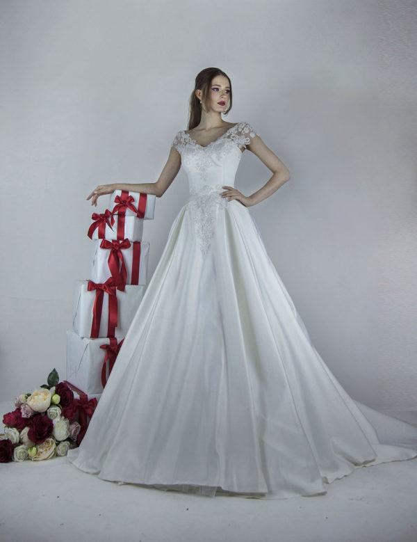 Robe de mariée avec jupe en satin style princesse