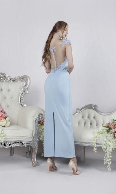 Robe de soirée bleu avec une fente derrière
