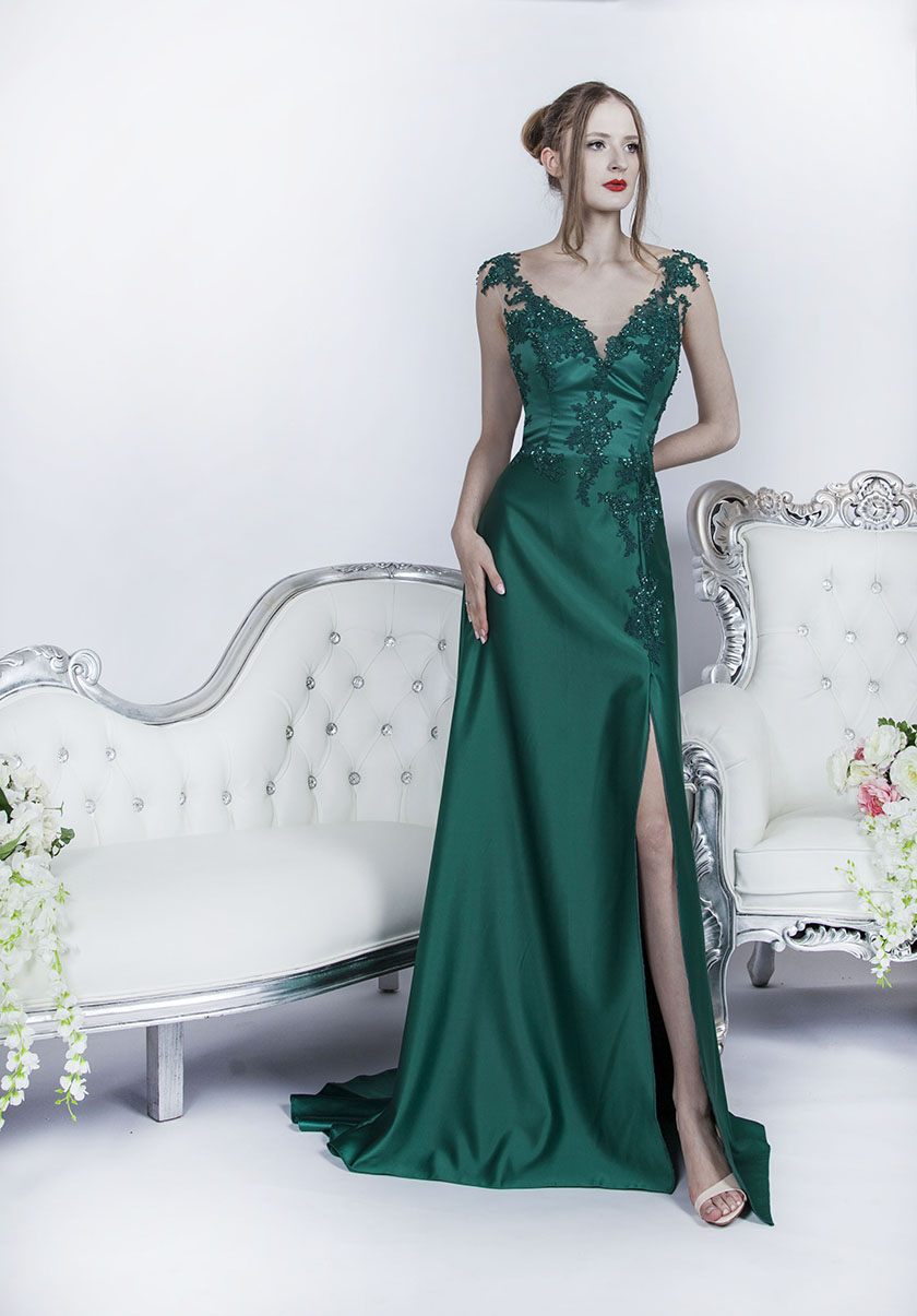 51f0c3bf21d Robe de soirée à Paris - Robe satin vert émeraud pour un look luxueux