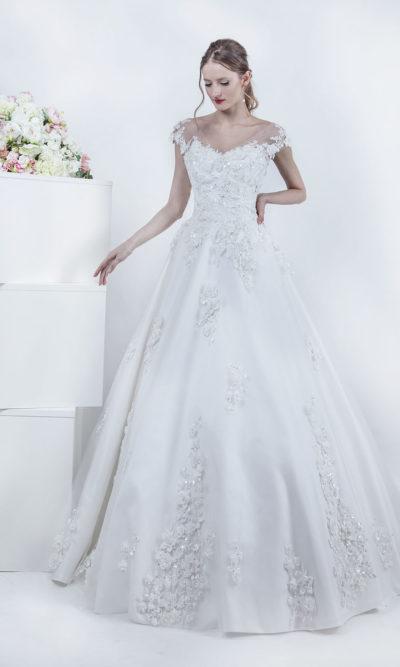 Robe de mariage blanc cassé en satin et dentelle