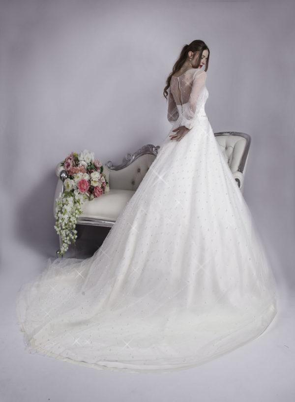 Robe de mariage avec dos nu couvert en tulle