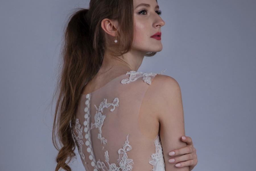 Robe de mariée en dentelle blanc écru