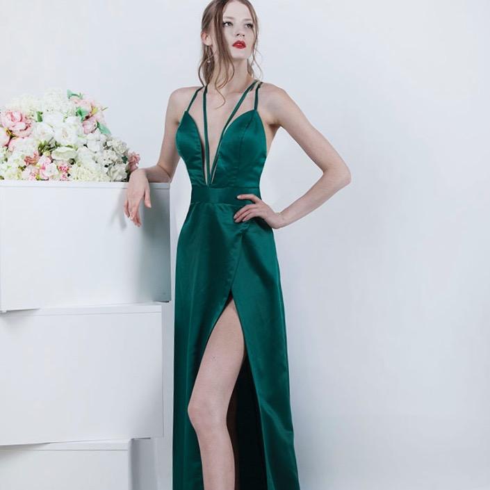 Robe de soirée de couleur vert émeraude
