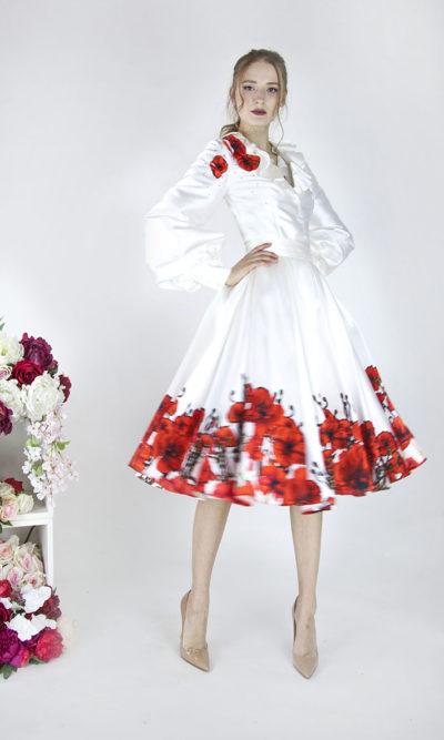 Belle robe de soirée élégante avec fleurs