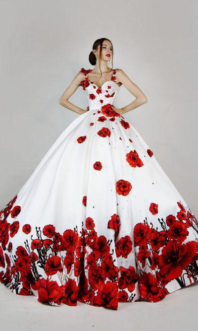 Robe de soirée princesse décorée avec des fleurs