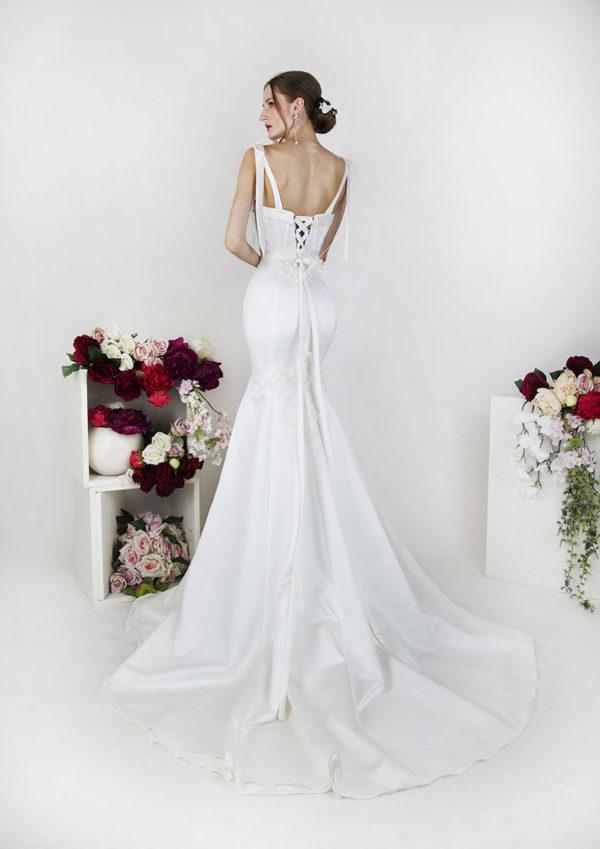 Robe de mariée avec jupe sirène en saitn