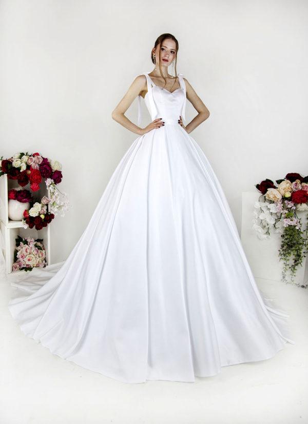 Robe de mariée avec noeud