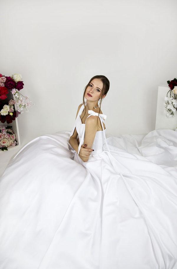 Robe de mariée avec bretelles simples