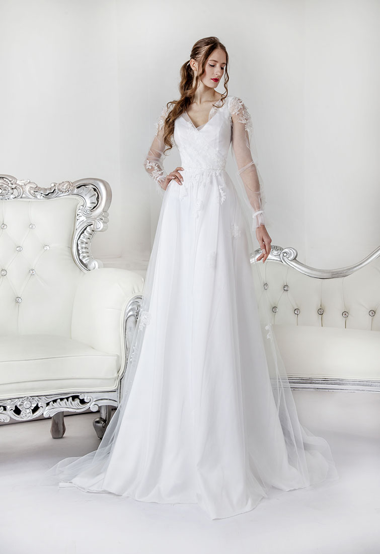 Robe de mariée style bohème avec drapée en dentelle de Calais