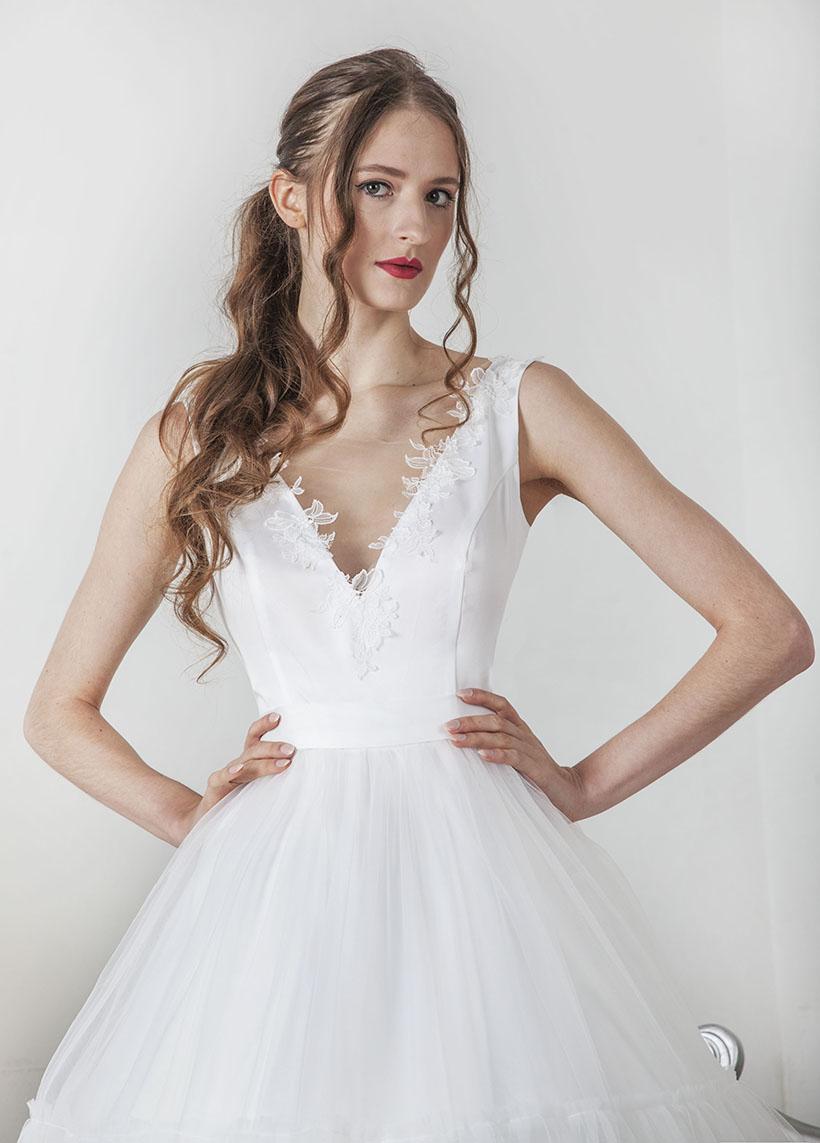 Robe de mariée jupe en A avec volants