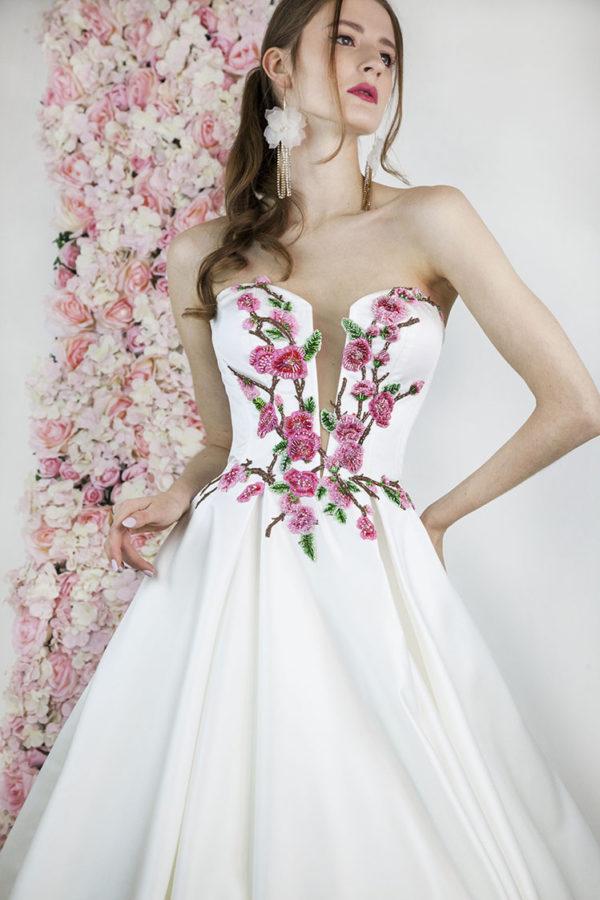 Robe de mariage de couleur rose