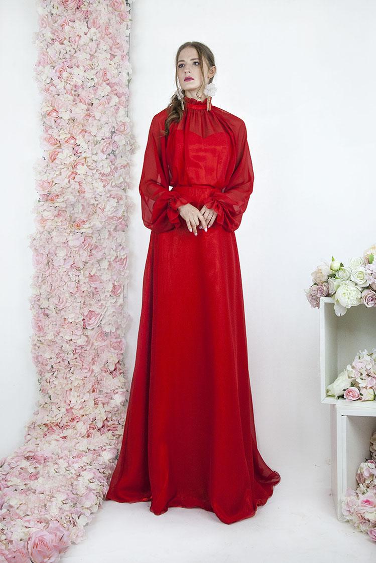 Robe de soirée col roulée rouge en mousseline