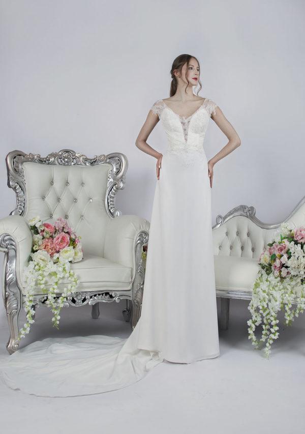 Robe de mariée blanc cassé style empire