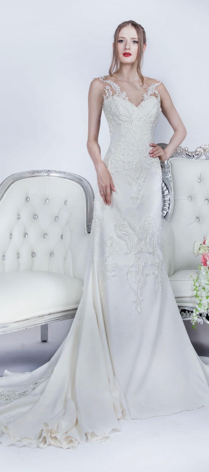 Dos original d'une belle robe de mariée en achat
