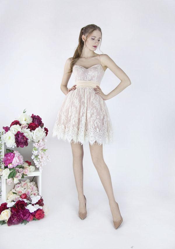 Robe de soirée style poupée très féminine