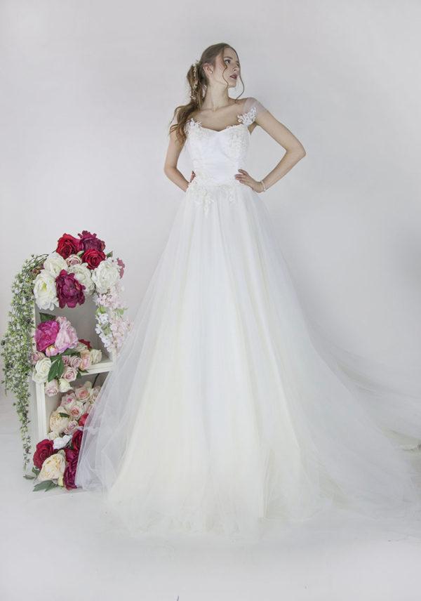 Robe de mariée très traditionnelle et romantique